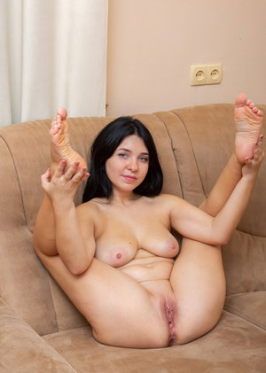 Sexy Turkish Girl ki Nude Pic Pink choot ke Sath.. Hot girl nude images. Pink pussy images